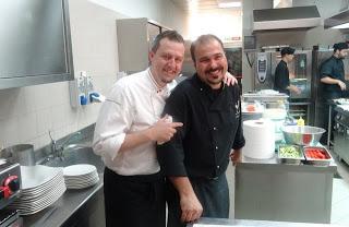 Filippo Novelli con Sandro Mesiti nelle cucine di Mirror Lounge.