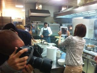 Renato Bosco nella cucina del Mirror Restaurant - Hotel Hub Milano