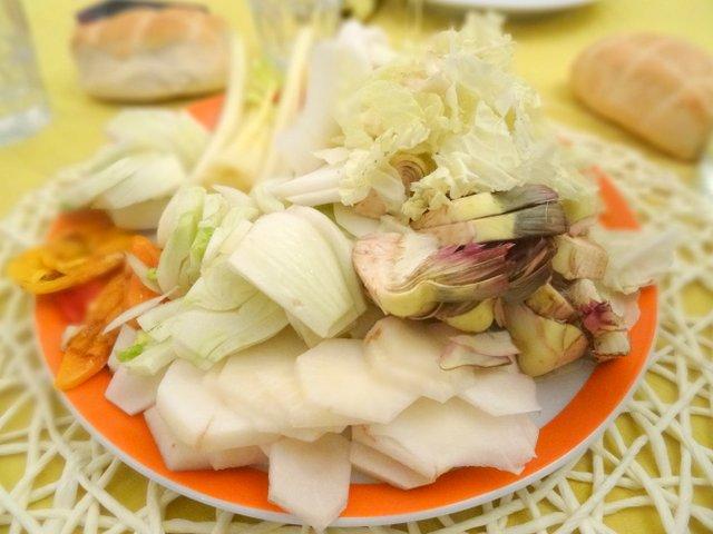 Bagna cauda, ricetta piemontese con verdure. - Food writer ...
