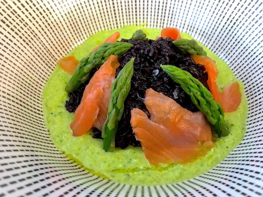 Riso nero salmone asparagi nero beppino