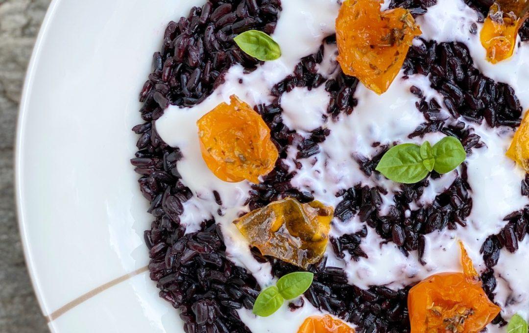 insalata di riso nero con yogurt