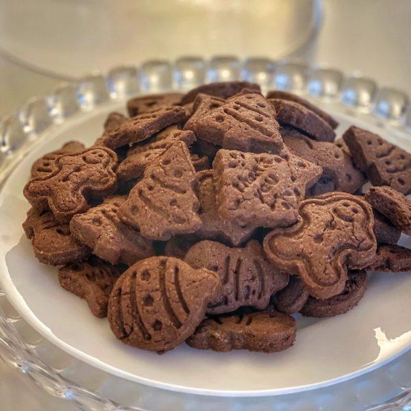 Biscotti di riso al cacao leggeri e fragranti